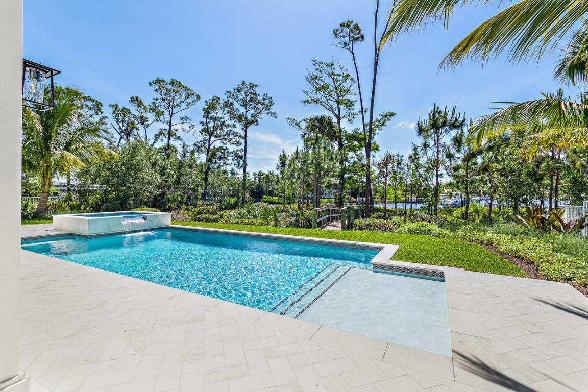 rhr pools of jupiter fl beautiful pool with large sunshelf and raised spa