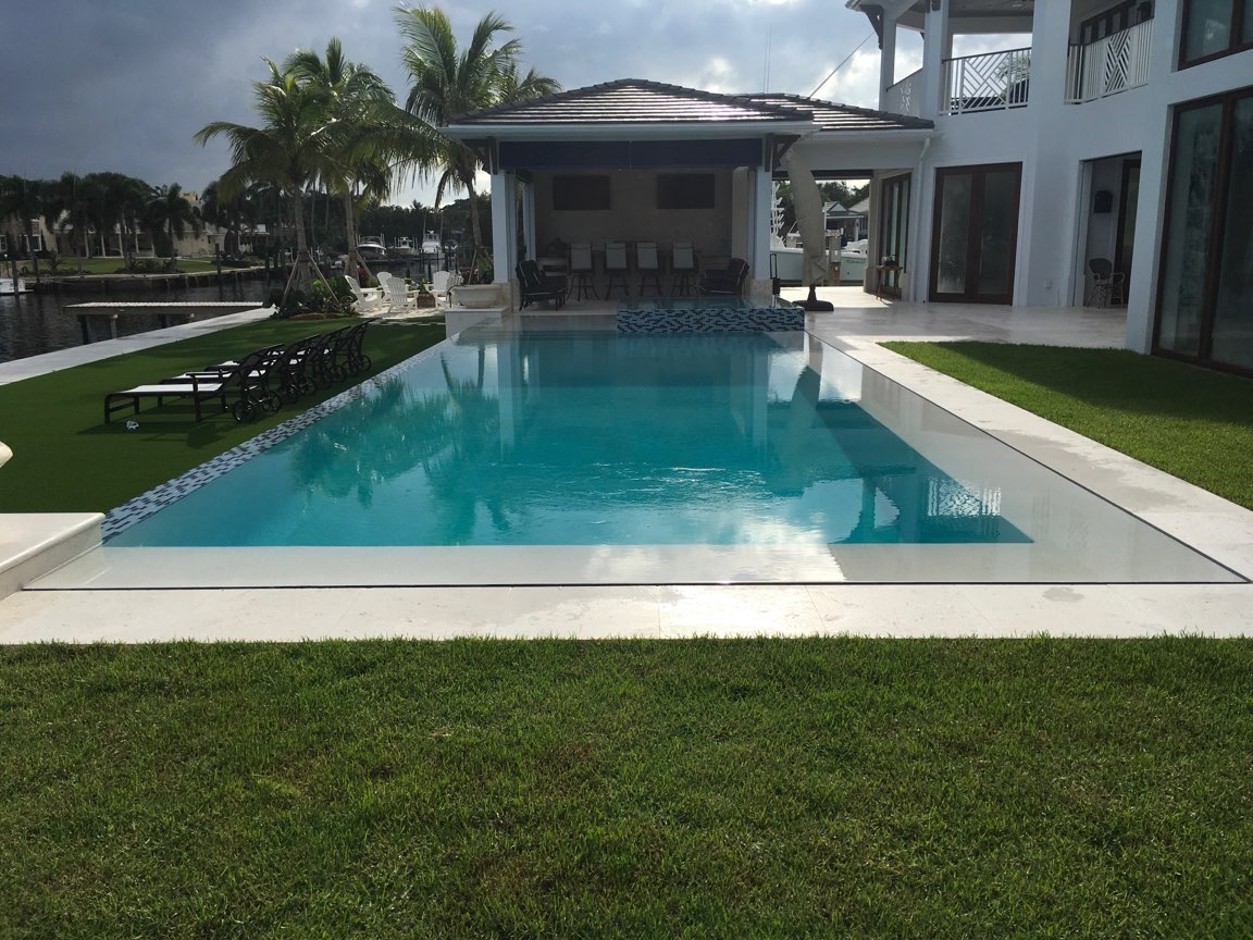 rhr pools of jupiter fl infinity edge pool with a modern feel for this waterfront home
