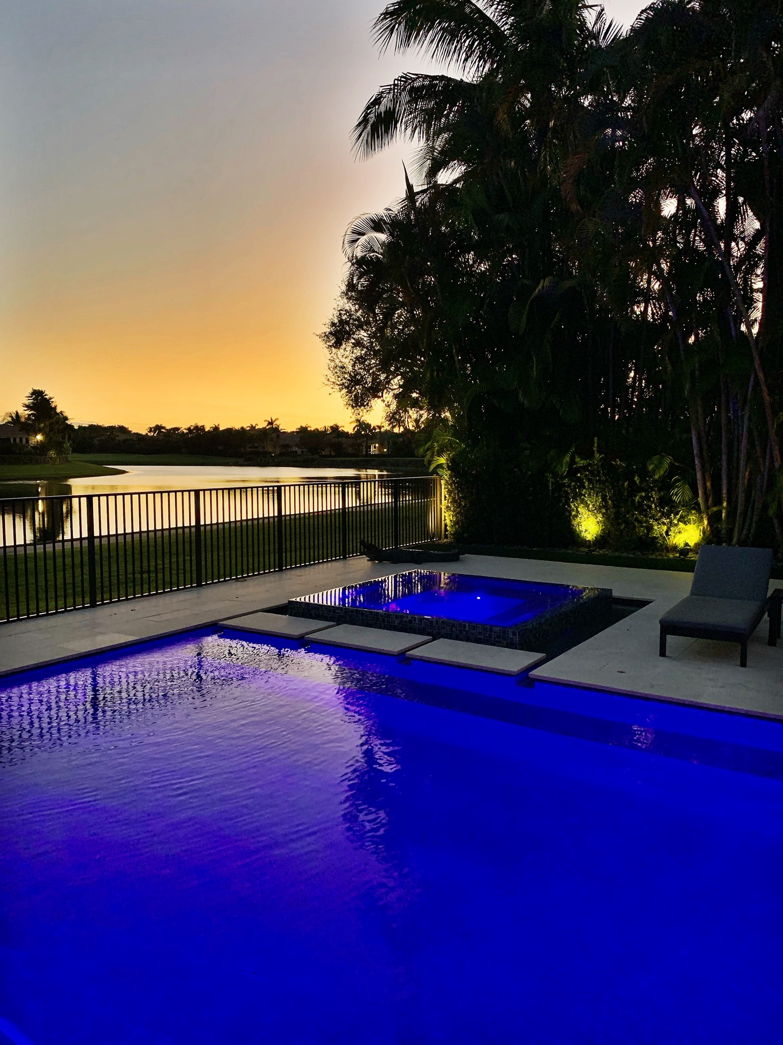rhr pools of jupiter fl led lit pool and infinity spa