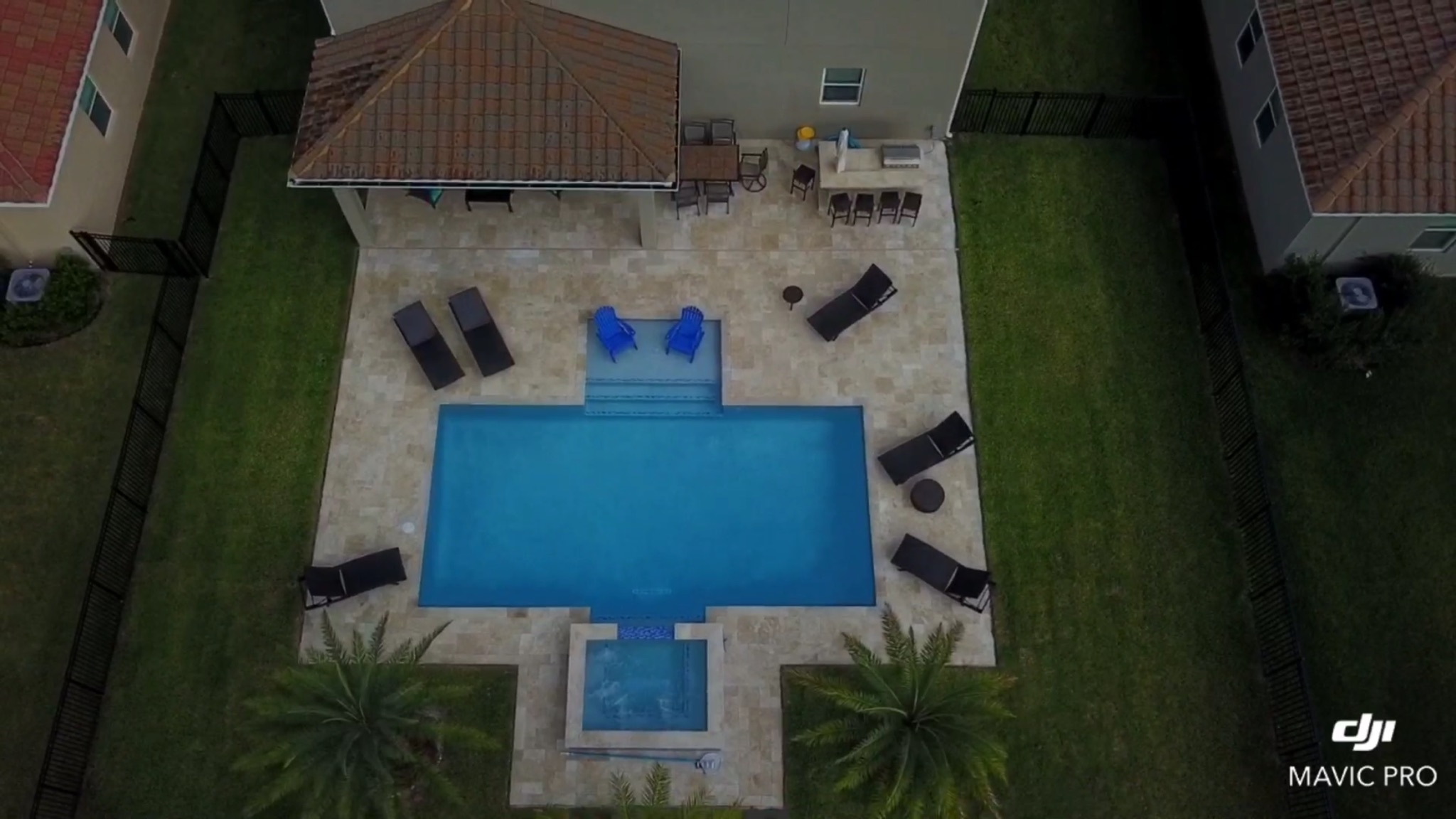 rhr pools oversized steps and spa with area for entertaining